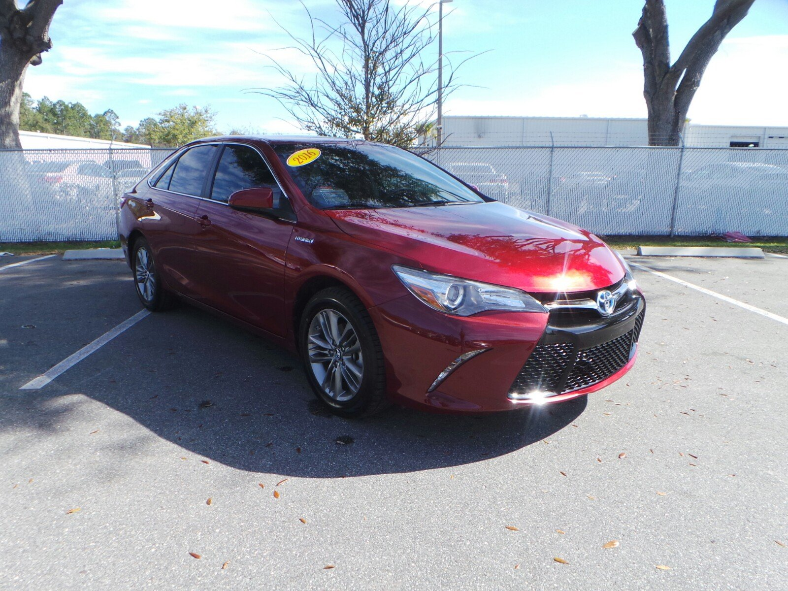 Pre Owned 2016 Toyota Camry Hybrid Se